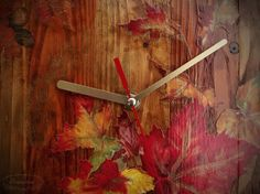 Handmade clock made from reclaimed wood Handmade Clocks, Wood Home Decor, House In The Woods, Decoupage, Wall