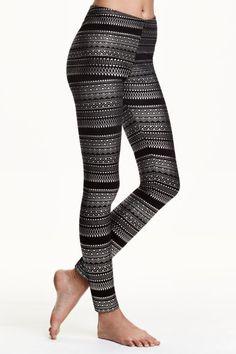 Legging avec motif métallisé: Legging en jersey de coton avec impression métallisée. Modèle avec élastique à la taille.