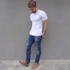 Extremely dapper, this off-duty combination of a white crew-neck t-shirt and blue jeans will provide you with amazing styling possibilities. Let your styling credentials truly shine by finishing this outfit with tan suede chelsea boots. Mode Masculine, Tan Suede Chelsea Boots, Suede Boots Men, Brown Boots Men, Teen Jungs Outfits, Latest Summer Fashion, Botas Chelsea, Casual Outfits, Men Casual