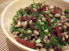 Yemek Tarifleri Youtube kanalı tarafından hazırlanan bu videoda, kuru börülce piyazı tarifinin nasıl hazırlanacağını ayrıntıları ile öğrenebilirsiniz. Tarifin detayları için videoyu izleyebilir, gerekli malzemelerin listesini ise aşağıda bulabilirsiniz. Appetizer Salads, Appetizers, Bistro Food, Turkish Recipes, Salad Recipes, Entrees, Green Beans, Food And Drink, Cooking Recipes