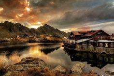'Balea Lake' en las montañas de Fagaras - Rumania (por Tony Goran)