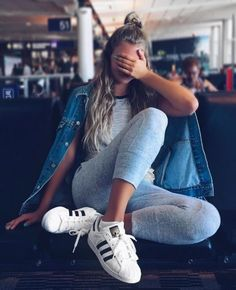 Trendy how to wear adidas superstar casual style 51 Ideas Sporty Outfits, Summer Outfits, Cute Outfits, Cute Travel Outfits, Traveling Outfits, Moda Outfits, Shotting Photo, Mode Lookbook, Foto Casual