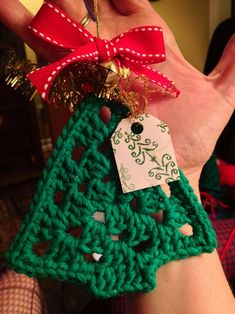 Crochet for christmas - 31 warm decorations deco-celebrate с Crochet Christmas Gifts, Crochet Gifts, Crochet Dishcloths, Knit Crochet, Knitting Patterns, Crochet Patterns, Diy And Crafts Sewing, Christmas Makes, Christmas Tree