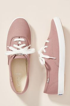 Keds Champion Sneakers Source by melissachihota shoes sneakers Tennis Shoes Outfit, Nike Tennis Shoes, Casual Shoes, Casual Jeans, Champion Sneakers, Keds Champion, Sneakers Fashion, Fashion Shoes, Keds Sneakers