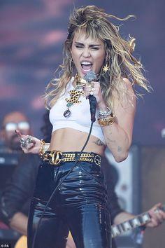 Miley Cyrus Style, Miley Cyrus News, Rocker Style, Liam Hemsworth, Girl Crushes, Celebrity Crush, Pretty People, Celebs, Beautiful Women