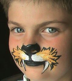 Halloween Face Painting Ideas for kids Animal Face Paintings, Animal Faces, Face Painting Tutorials, Face Painting Designs, Face Painting For Boys, Body Painting, Kitty Face Paint, Lion Face Paint Easy, Tiger Face Paints