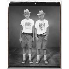 Gemelos // Twins (by Mary Ellen Mark, 2003) | …y mientras tanto // …and meanwhile