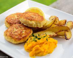 Hjemmelagde fiskekaker - Bedre, billigere og nydelig smak | Gladkokken Fishcakes, Fish And Seafood, Fish Recipes, Salmon Burgers, Food To Make, Potato, Carrots, Food And Drink, Chicken