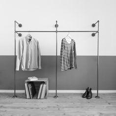 Offener kleiderschrank aus stahlrohr open wardrobe made for Garderobe wasserrohr
