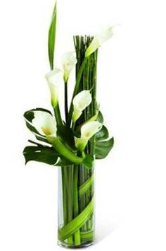 green reception wedding flowers,  green wedding decor, green wedding flower centerpiece, wedding flower arrangement, add pic source on comment and we will update it. www.myfloweraffair.com