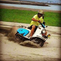 ラビットスクーターで砂遊び☺所長、運転が上手いんです#ラビットスクーター#rabbitscooter #鉄スクーター#鉄スクーターrun…
