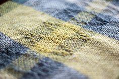 Runner da tavola in cotone lana e seta. Giallo di TheWovenSheep, €40.00