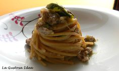 Wholemeal spaghetti with zucchini Genoese