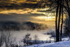 Winter on the Wisconsin River near Sauk-Prairie.