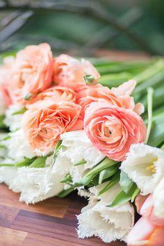 Hochzeitsblumen Tulpen Und Ranunkeln | Friedatheres.com  Fotos: Lichterstaub Fotografie Blumen: Blumig Heiraten