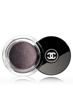 Chanel Illusion D'Ombre - Long Wear Luminous Eyeshadow in Illusoire Chanel Eyeshadow, Best Eyeshadow, Chanel Makeup, Cream Eyeshadow, Metallic Eyeshadow, Chanel Beauty, Perfume, Beauty Makeup, Hair And Beauty