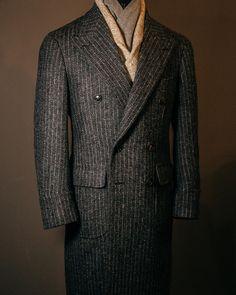 Harris tweed polocoat    #menswear#mensfashion#mensdaily#bespoke#suit#atlier#korea#seoul#tailor#tailored#sartoria#menstyle#tweed#tweedsuit#harristweed#vanni#vannibespoke#반니#비스포크#맨즈웨어#트위드#polocoat#coat#stripe
