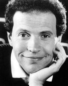 size: Photo: Poster of Billy Crystal : Artists Hollywood Men, Classic Hollywood, Jewish Comedians, Billy Crystal, Jewish Men, Funny People, Actors & Actresses, Actors Male, Famous People