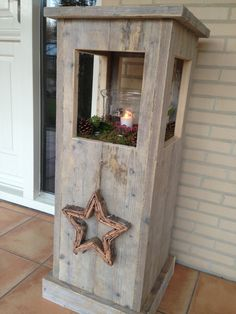 Windlight from used scaffolding wood made by Jan de Timmerman. Pallet Crafts, Wooden Crafts, Diy And Crafts, Outdoor Projects, Wood Projects, Woodworking Projects, Barn Wood, Rustic Wood, Scaffolding Wood