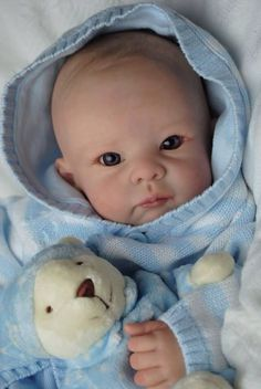 Kudos to these doll artists who paint these reborn dolls. By Adopted Reborn Babies - Bespoke Babies Life Like Baby Dolls, Life Like Babies, Real Baby Dolls, Realistic Baby Dolls, Baby Girl Dolls, Toddler Dolls, Reborn Toddler, Baby Boy, Bb Reborn