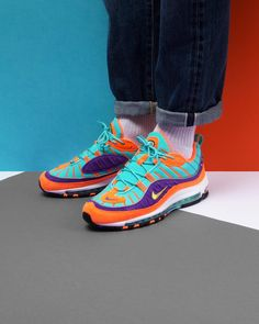An NIKE Nike AIR MAX 98 QS Air Max 98 quick strike model number: 924,462 800