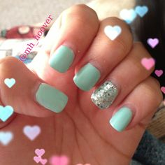 Essie- Mint candy apple & Essie- Set in stone