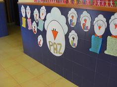 poesia del colegio dia de la paz - Buscar con Google Toy Chest, Religion, Kids Rugs, Peace, Toys, Google, Home Decor, Paper Plates, Paper Envelopes