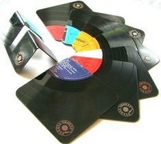 Gefunden auf #Dawanda: Retro-Bierdeckel aus Vinyl #Dekoration