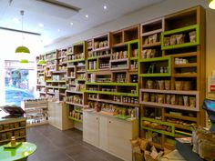 Étagères en 9 modules Paper Furniture, Cardboard Paper, Shelving, Architecture Design, Bookcase, Carton Design, Boutique, Home Decor, Diy