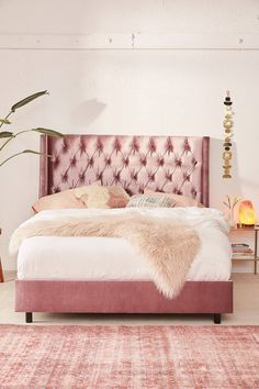 Pink bedroom design with velvet tufted bed. The himalayan salt lamp are filling the space with love minimalist//bedroom ideas//bedroom decor//room decor//home decor//living room // home hacks//home remedies Pink Bedding, Black Bedding, Luxury Bedding, Bedding Sets, Black Tufted Headboard, White Tufted Bed, Tufted Bed Frame, Velvet Upholstered Bed, Bedroom Furniture
