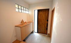 玄関ドア House Entrance, Entrance Hall, Glass Brick, Japanese House, Spare Room, Mudroom, Cupboard, Shoe Rack, Interior And Exterior