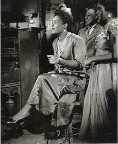 Nostalgia — Billie Holiday by Phil Stern, New orlens (1947)