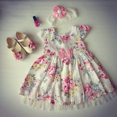 Kids dress pattern with pleats on front Order via line : @ Fashion Kids, Toddler Fashion, Frocks For Girls, Little Girl Dresses, Girls Dresses, Frock Design, Toddler Dress, Baby Dress, Kids Dress Patterns
