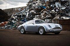Carbon Fiber Aston Martin DB4 Zagato (3)