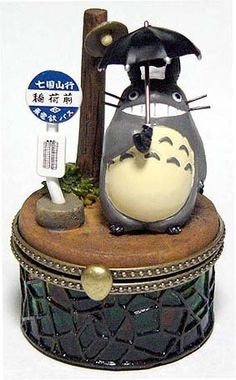 Figure & Stained Glass Case - Totoro & Bus Stop - Ghibli - out of production (new)