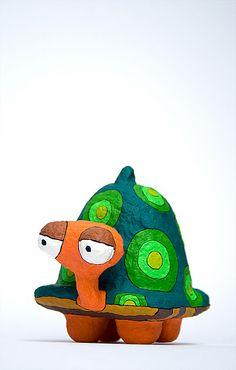 Turtle by Choicita con cartones de huevos?