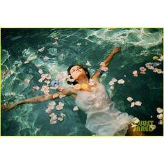Teresa Palmer Nicholas Hoult 'Warm Bodies' Trailer! ❤ liked on Polyvore