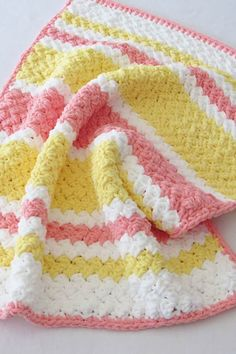 Try this easy and quick striped afghan free crochet pattern. This fast baby blanket will only take few hours and is great for a last minute gift. The textured stitch pattern is simple and perfect for beginners. Crochet Afghans, Crochet Baby Blanket Free Pattern, Bernat Baby Blanket, Blanket Yarn, Easy Crochet Baby Blankets, Crochet For Beginners Blanket, Baby Afghans, Crochet Gratis, Free Crochet