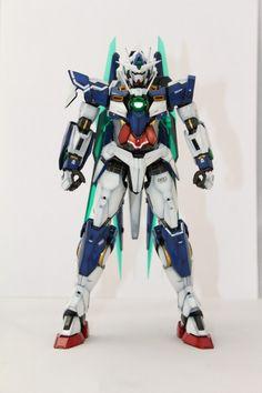 MG 1/100 Gundam 00 QAN[T]