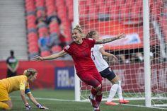 女子サッカーW杯カナダ大会・グループB、ドイツ対ノルウェー。得点を挙げ歓喜するアーニャ・ミッターク(2015年6月11日撮影)。(c)AFP/NICHOLAS KAMM ▼12Jun2015AFP|ドイツとノルウェーがドロー、グループBは混戦に 女子サッカーW杯 http://www.afpbb.com/articles/-/3051416 #2015_FIFA_Womens_World_Cup #Group_B_Germany_vs_Norway #Anja_Mittag
