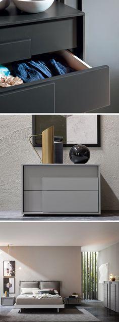 Die Overlap Serie von Novamobili fällt optisch durch ihren Griff auf, die Schubladenfront wird überwiegend überlappt. #Nachttisch #Schlafzimmer #bedroom #Einrichtungsideen #interiordesign #interiordecorating #Inneneinrichtung #Innenarchitektur #home #einrichten #wohnen #wohntrend #Möbel #Möbeldesign #Design #modern #zeitlos #minimalistisch #minimalism #Livarea #Novamobili