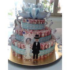 Money cake wedding gift. Geldtaart. Leuk idee als trouwcadeau.