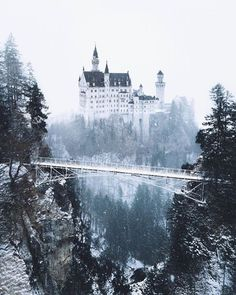 A fairytale winter wonderland Neuschwanstein Castle, Germany. Photos by – All Pictures Beautiful Castles, Beautiful World, Beautiful Places, Wonderful Places, Places To Travel, Places To See, Travel Destinations, Germany Castles, Neuschwanstein Castle