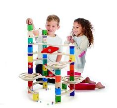 Hape Quadrilla Wooden Marble Run Construction - The Challenger - Quality Time Playing Together Wooden Safe Play - Smart Play for Smart Families Wooden Marble Run, Marble Runs, Recycled Toys, Hape Toys, Green Toys, Eco Friendly Toys, Toys Shop, Building Toys, Building Materials