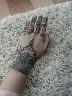 I like henna ♡♡♡♡♡