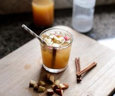 This Skinny Spiked Cider Is Your New Fall Favorite (Recipe Video) Fireball Cocktails, Fruity Cocktails, Fall Cocktails, Fun Drinks, Beverages, Spiked Cider, Gourmet Recipes, Drink Recipes, Liquid Diet