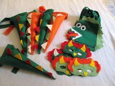 Kit máscara + cauda de dinossauro (dragão) em feltro. Cabe em crianças de 3 a 9 anos. Pode ser feito em outras cores e modelos. O valor se refere ao Kit 1 máscara + 1 cauda, os demais produtos são vendidos separadamente. QUANTIDADE MÍNIMA 10 UNIDADES