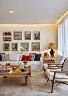 Projetado com muito empenho profissional, pela designer de interiores, Angela Medrado, este apartamento é classudo, confortável e bastante e...