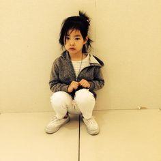 AWN, A HARU É TÃO SORTUDA! TIPO, O CARA Q ELA MAIS ♡♡ NA VIDA POSTA FOTO DELA NO TT, SOCORRO GENTE  G-Dragon's Twitter Updates (140513): Tablo hyung and his wife sent me this photo. Very pretty Haru.