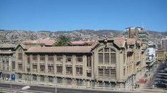 Universidad Pontificia Catolica de Valparaiso - Valparaiso - CHILE